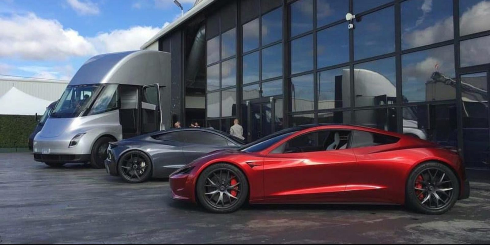 Elon Musk confirms Tesla 'high volume' battery cell production won't start until 2022, will affect Cybertruck, Semi, and Roadster