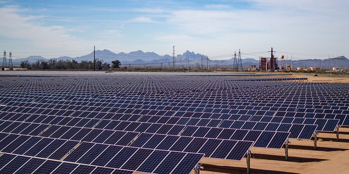 EGEB: Arizona utility who fought green energy ballot will now drop fossil fuels