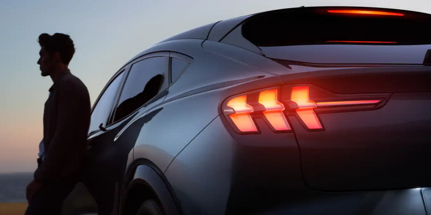Ford Mustang Mach-E's sequential turn signals spotted live - Electrek