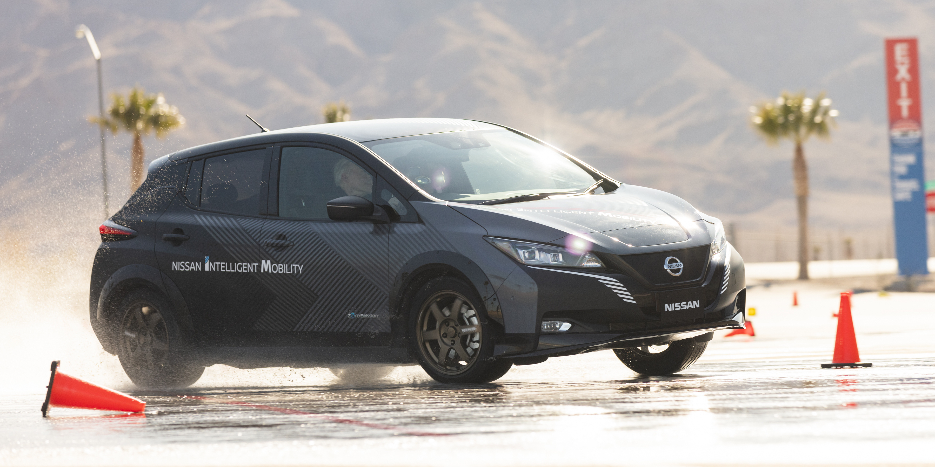 Nissan e-4ORCE First Drive: New dual motor AWD control tech makes EVs quicker and safer - Electrek