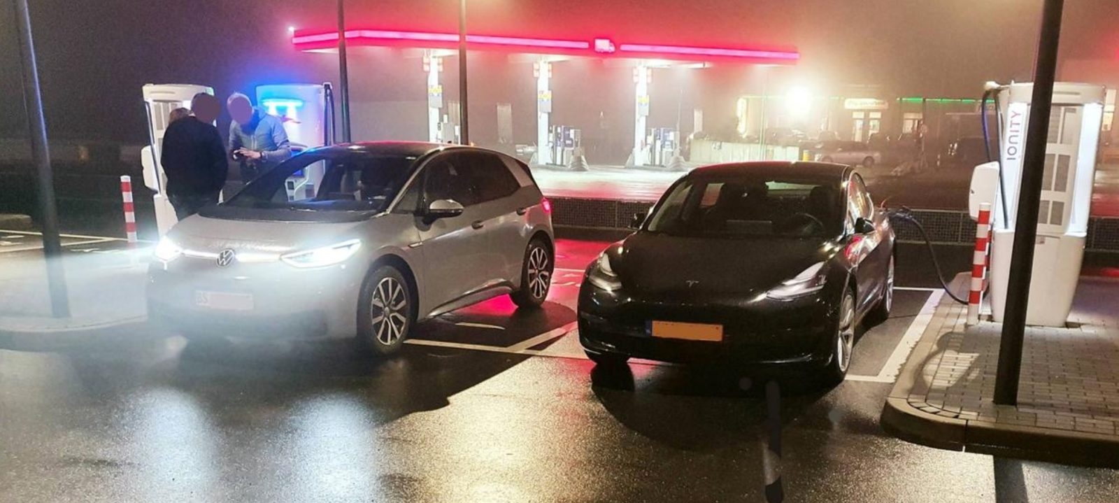 Tesla Model 3 and VW ID.3 side-by-side shows very similar size