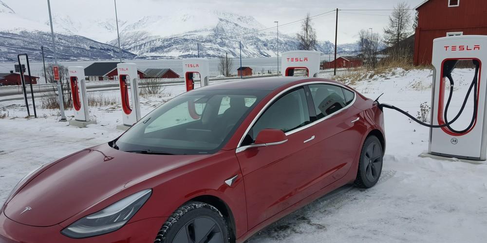 Resultado de imagem para Tesla Model 3 Norway