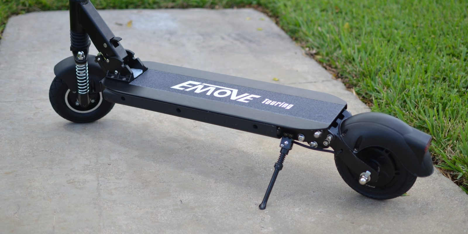 Review: 25 MPH full-suspension Emove Touring electric scooter (Discount code!)