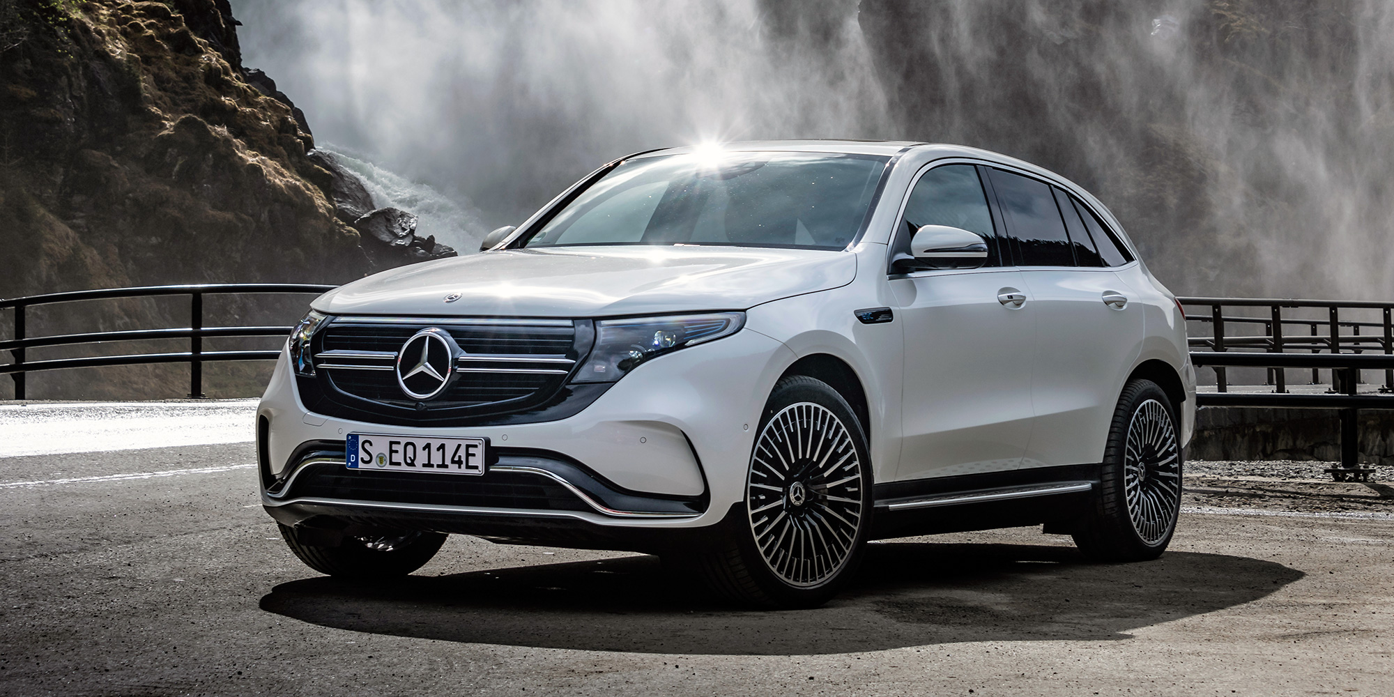 Mercedes Benz Cuts Eqc Electric Suv Production Target In Half Due To Battery Shortage Report Says Electrek