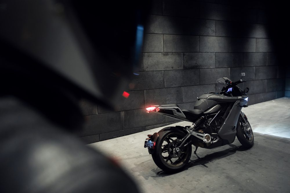 zero sr/s electric motorcycle