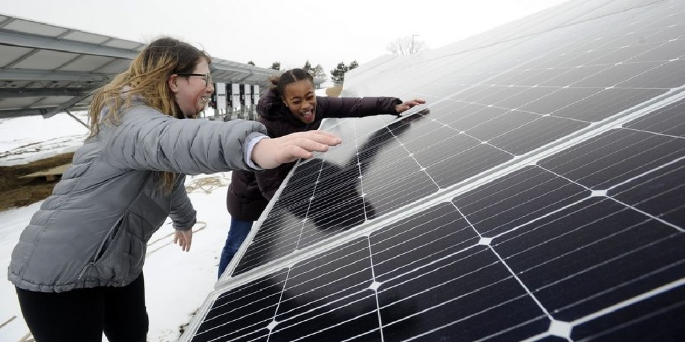 How fourth-graders won their campaign for school solar panels - Electrek
