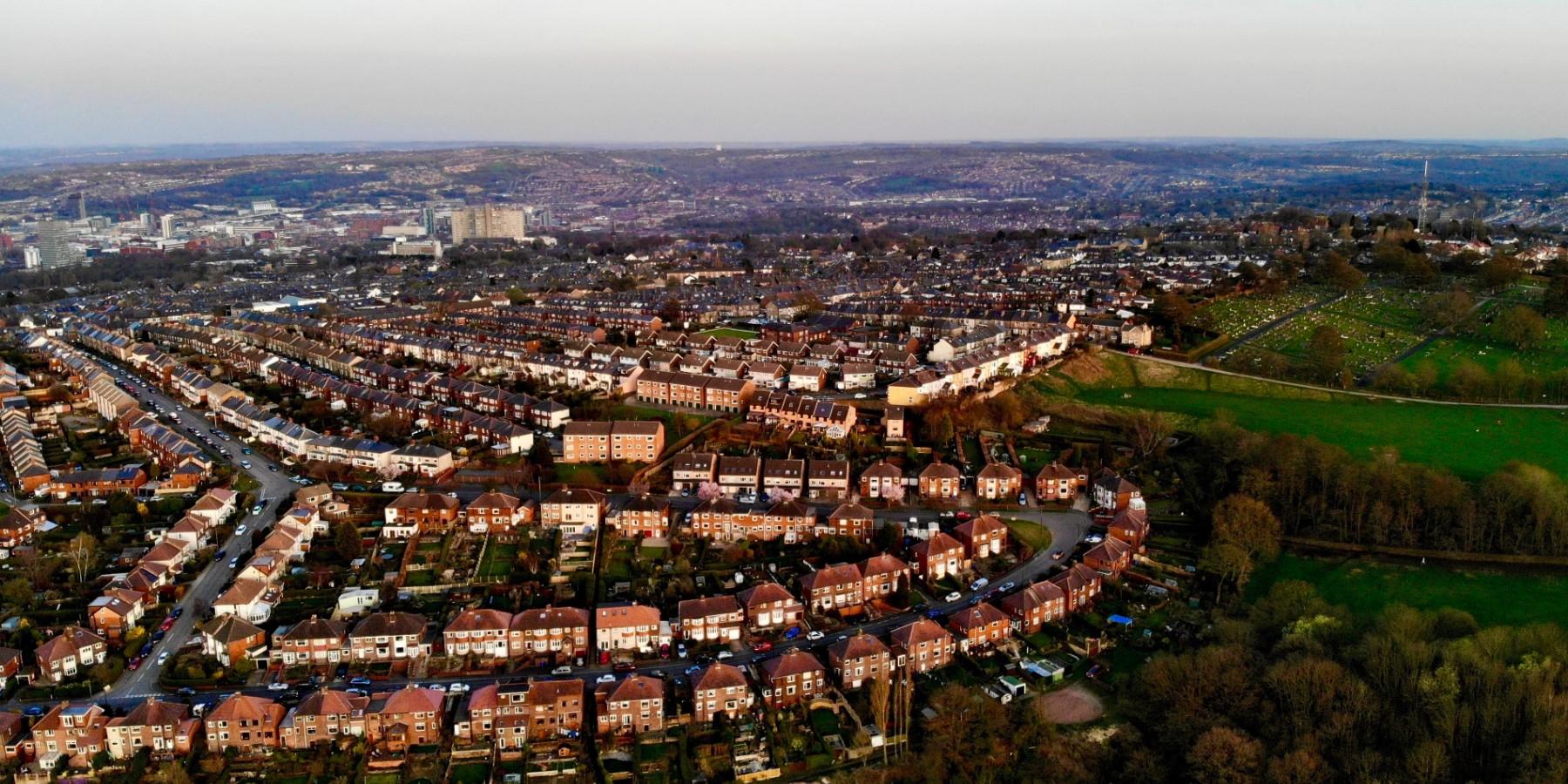 Sheffield installs thousands of smart sensors to slash energy use - Electrek
