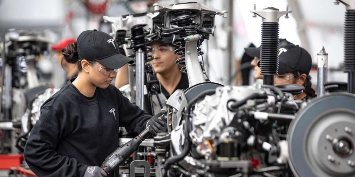 Tesla reduces employee injury rate by 'more than 50%', detailed in new blog post