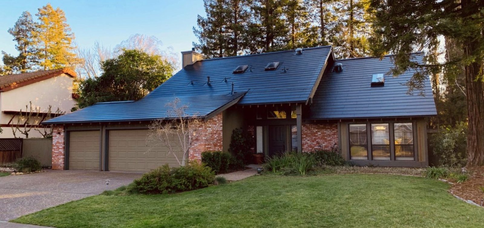 Tesla Achieves Solar Roof Production Of 1 000 Per Week But Can They Install Them Electrek
