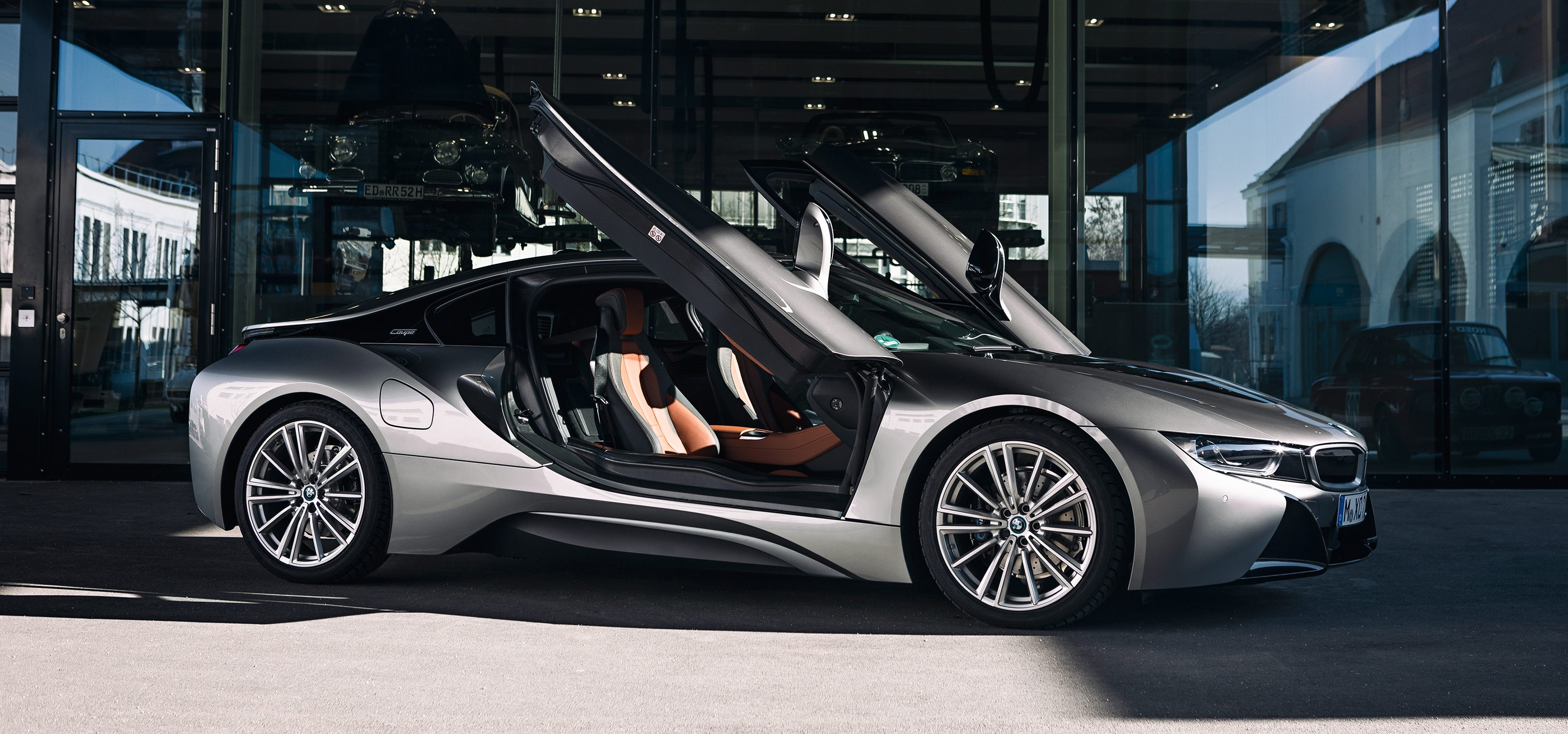 I8 Electric Sports Car