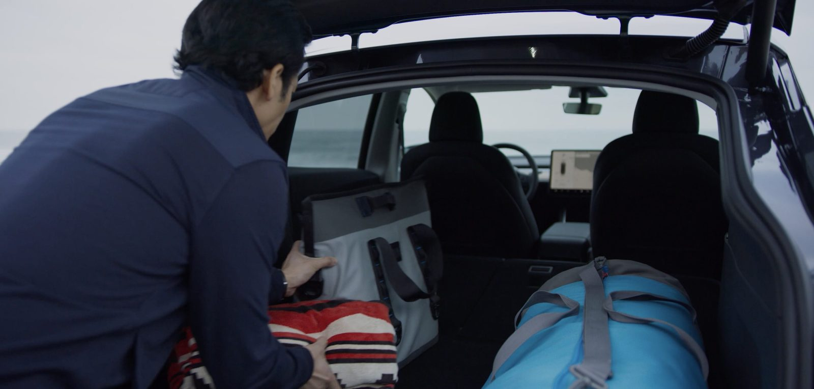 Tesla releases video showing Model Y's awesome trunk cargo ...