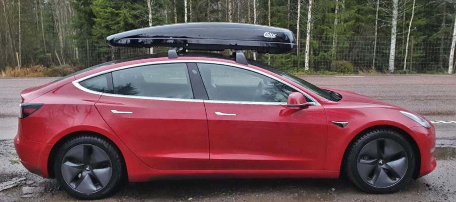 Tesla Model 3 With Roof Rack Box Gets Much Better Range If You Flip Box Around Electrek