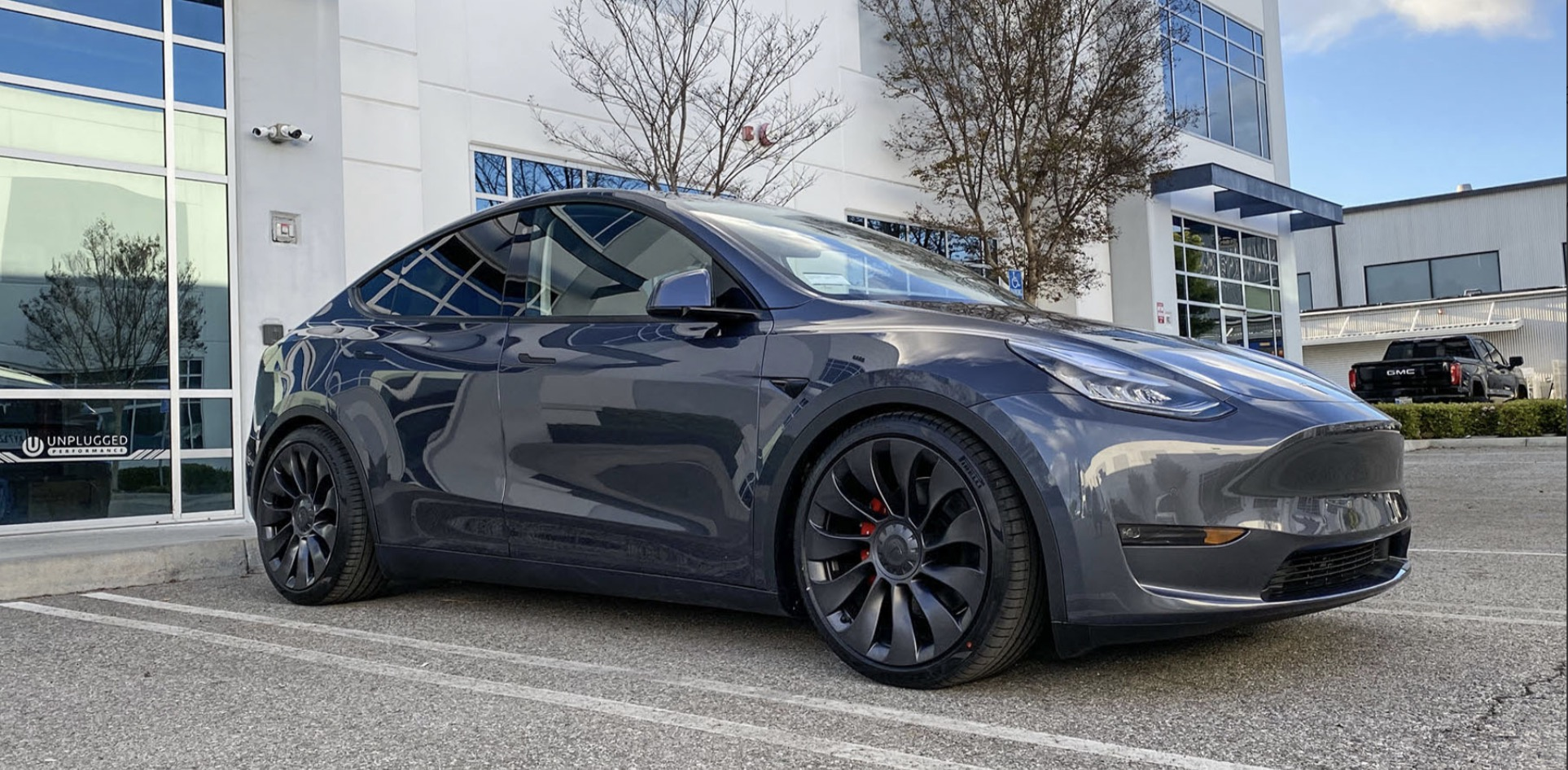 Tesla Model Y: stunning lowered electric SUV by Unplugged Performance - Electrek