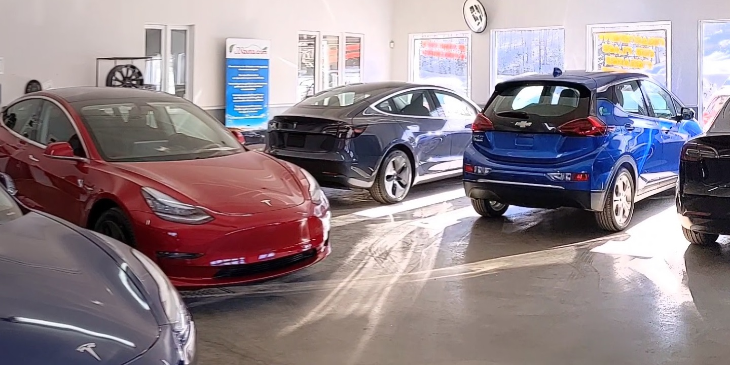 This dealer went from selling used gas cars to used EVs, and even new Teslas