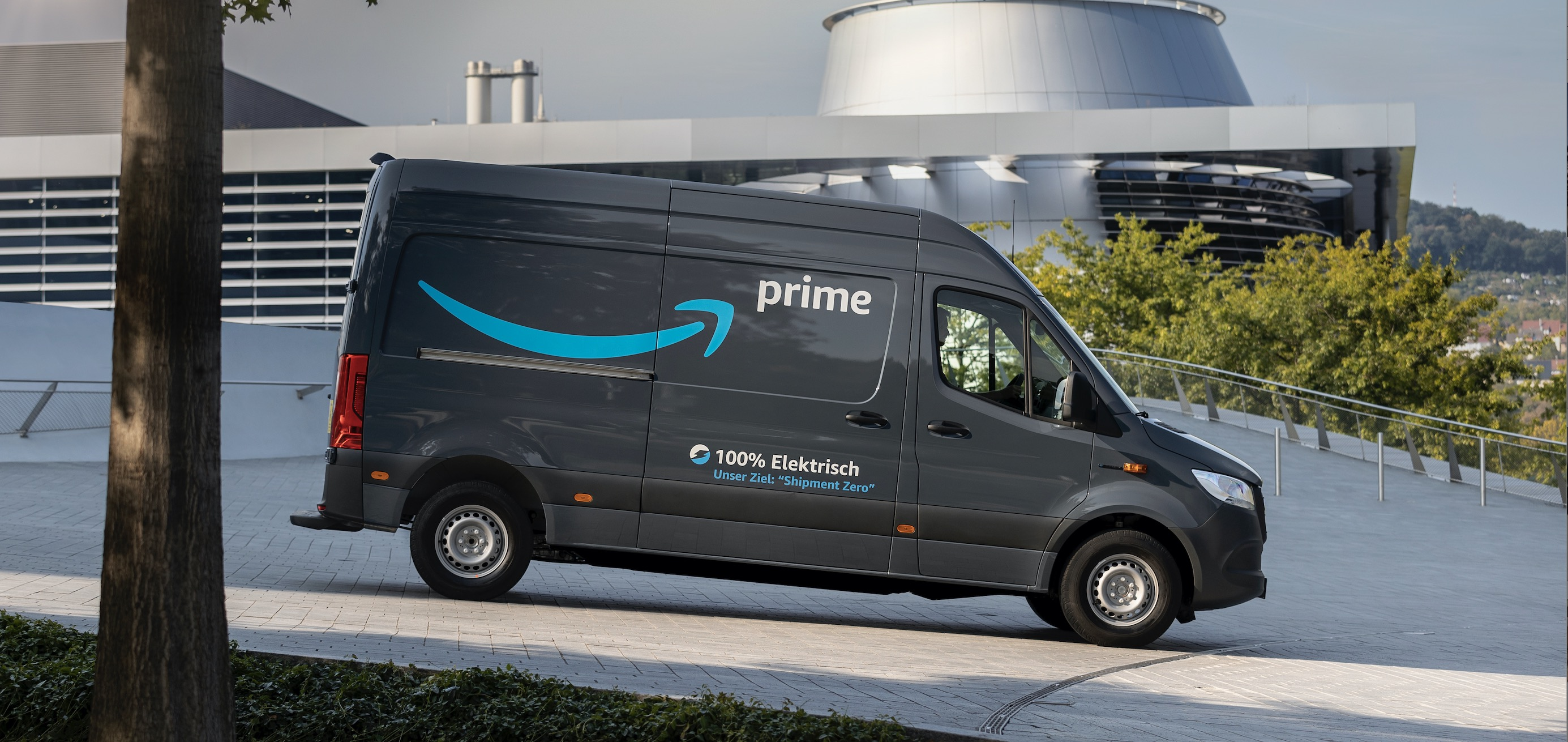 Amazon Orders Over 1 800 Electric Vans From Mercedes Benz Electrek