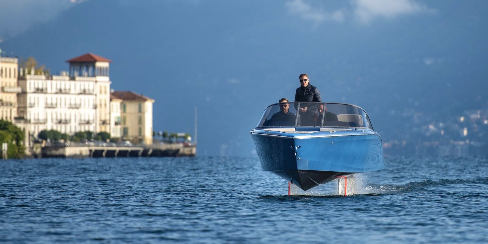 Candela Electric Hydrofoil Boat Watch The First E Foiling Boat In Action