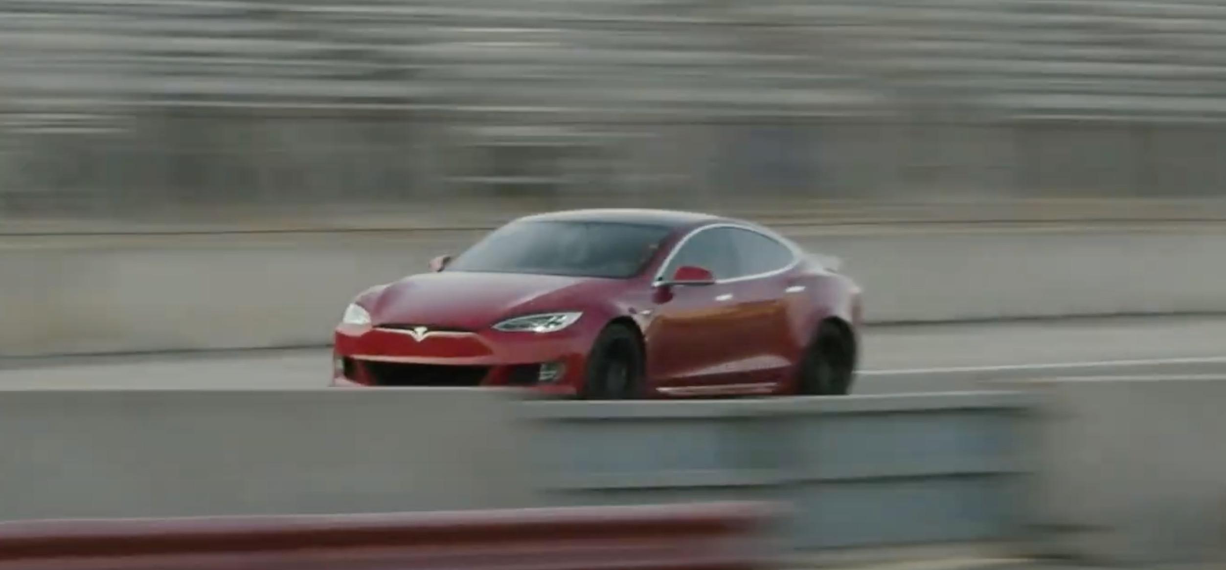 Tesla Model S plaid hero jpg?quality=82&strip=all