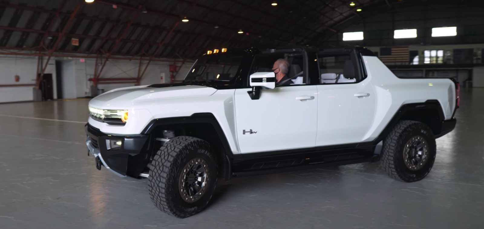 Closer look at the GMC Hummer EV electric pickup truck ...