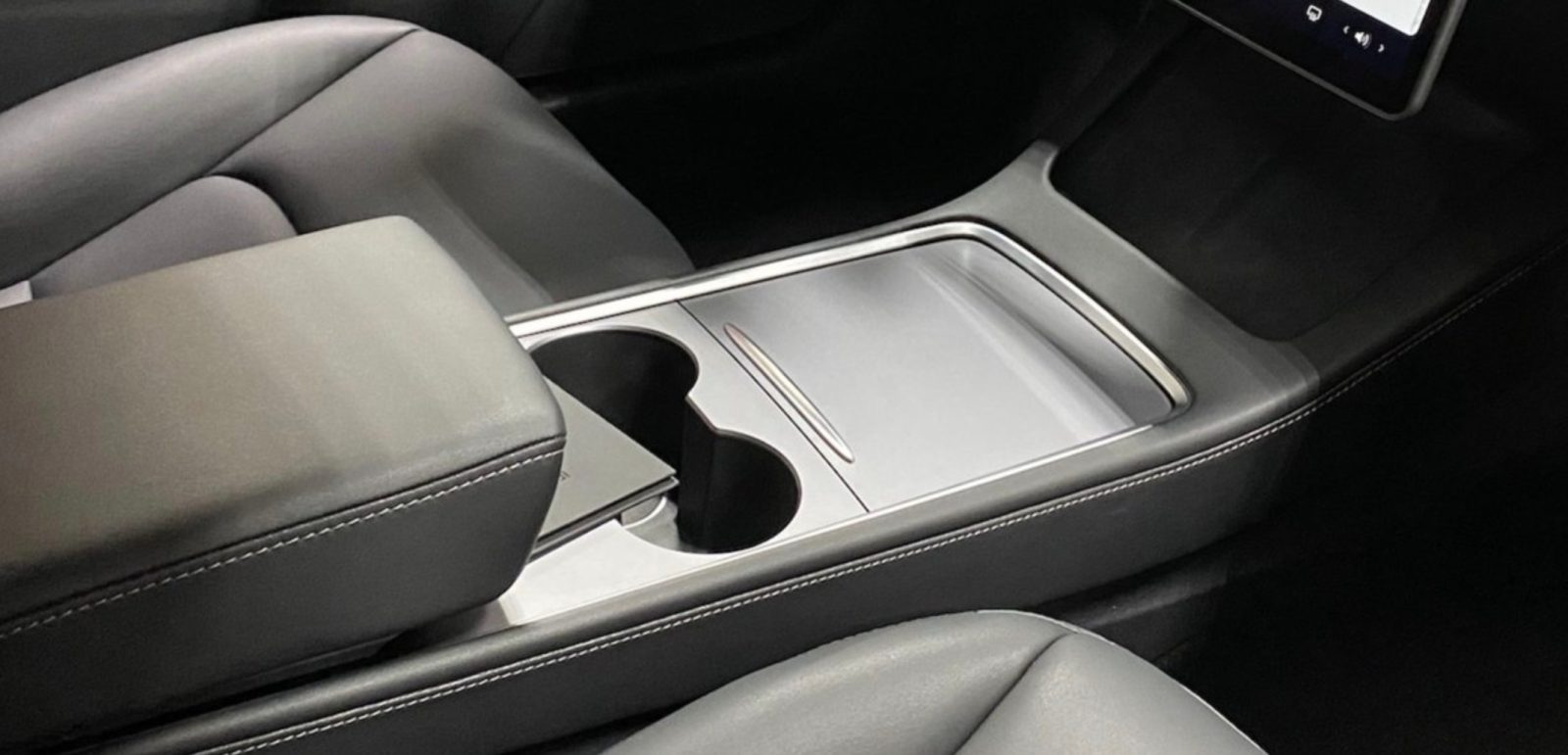 First look at Tesla's new center console in 2021 Model 3 ...