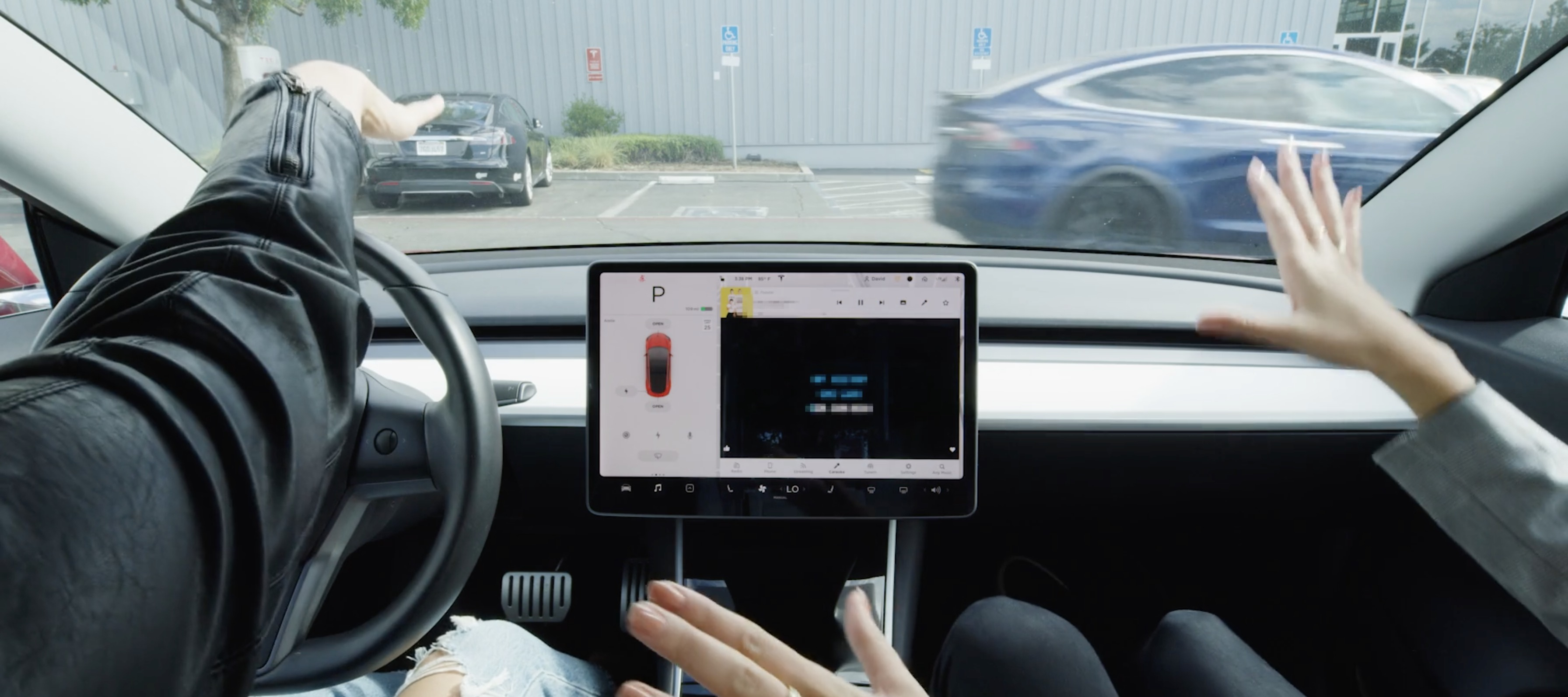 Tesla-caraoke.jpg?quality=82&strip=all