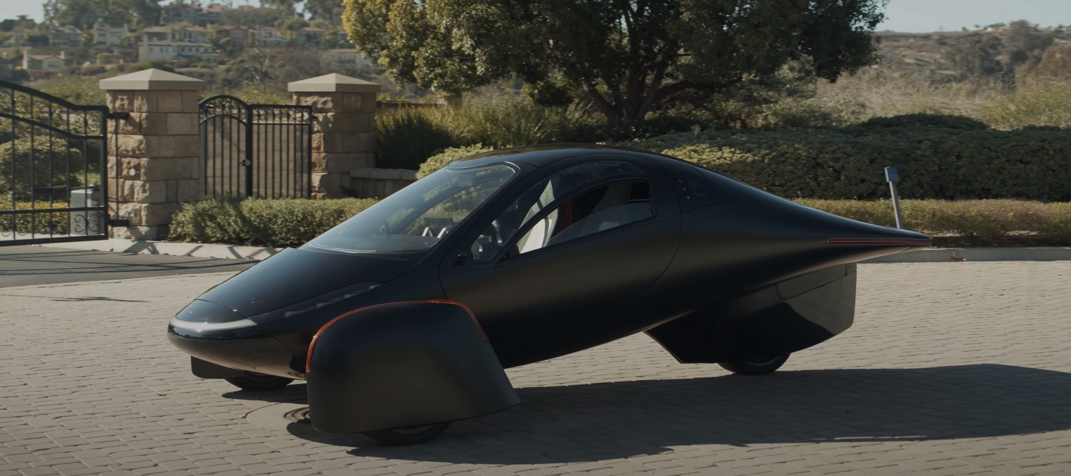 Aptera unveils super-efficient electric car with up to 1,000 miles -  Electrek