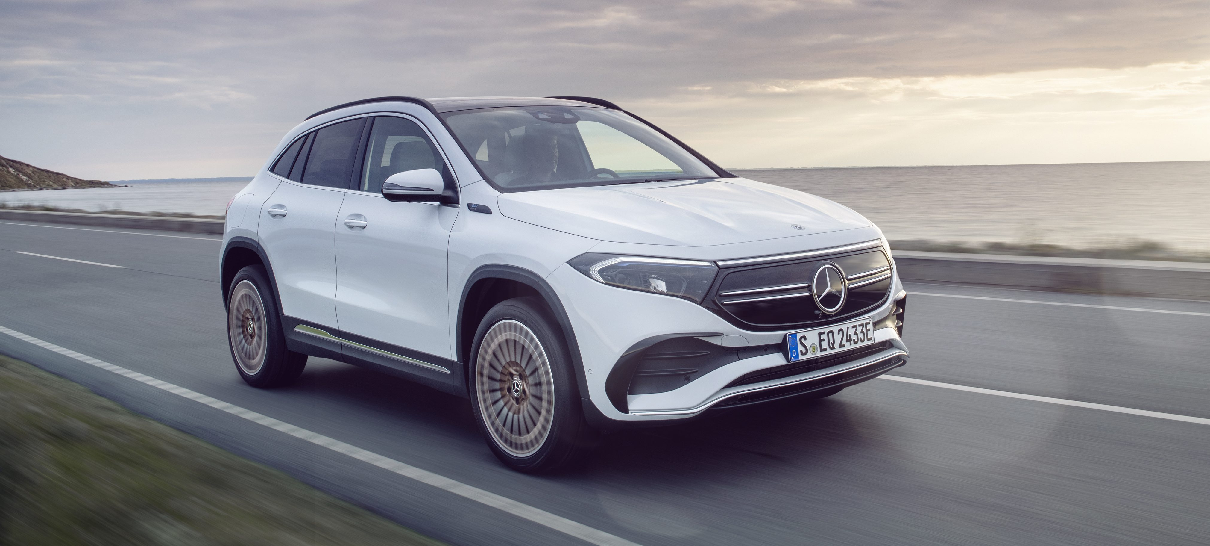 Mercedes Benz Unveils Eqa Electric Suv With 265 Miles Of Range And 46 000 Price Electrek
