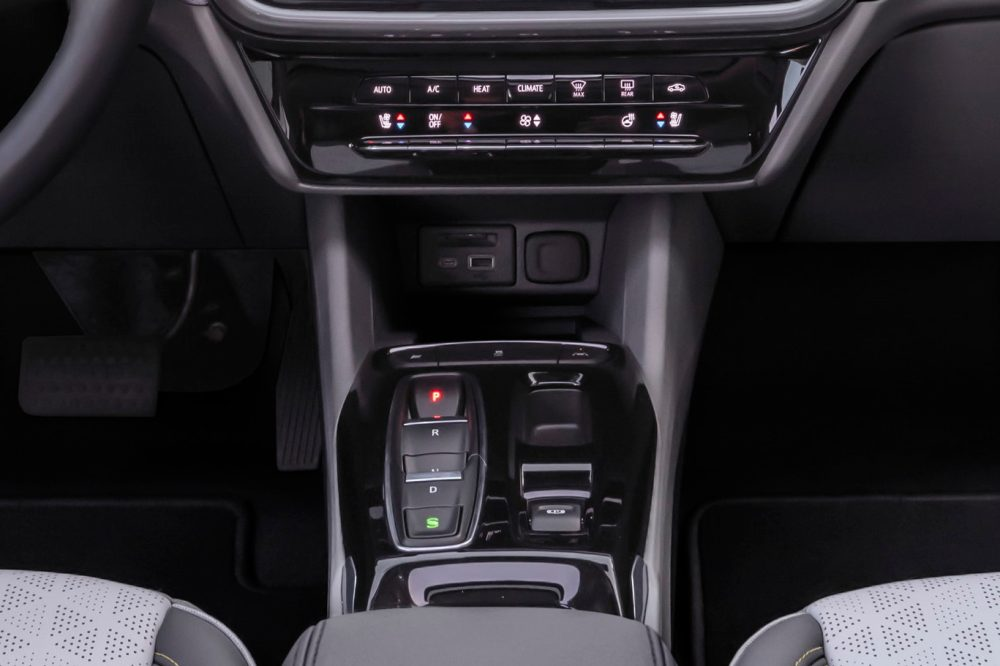 2022 Chevrolet Bolt EV charging ports