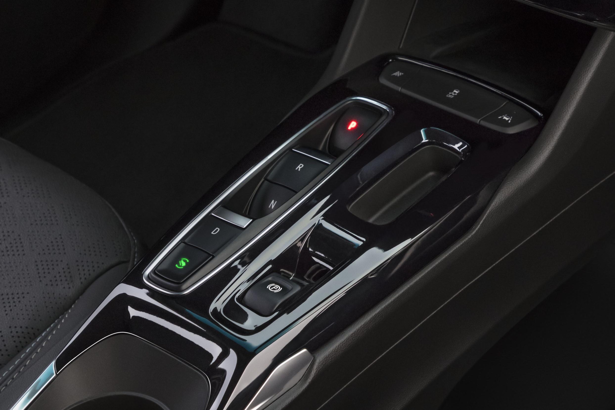 2022 Chevrolet Bolt EV центральная консоль