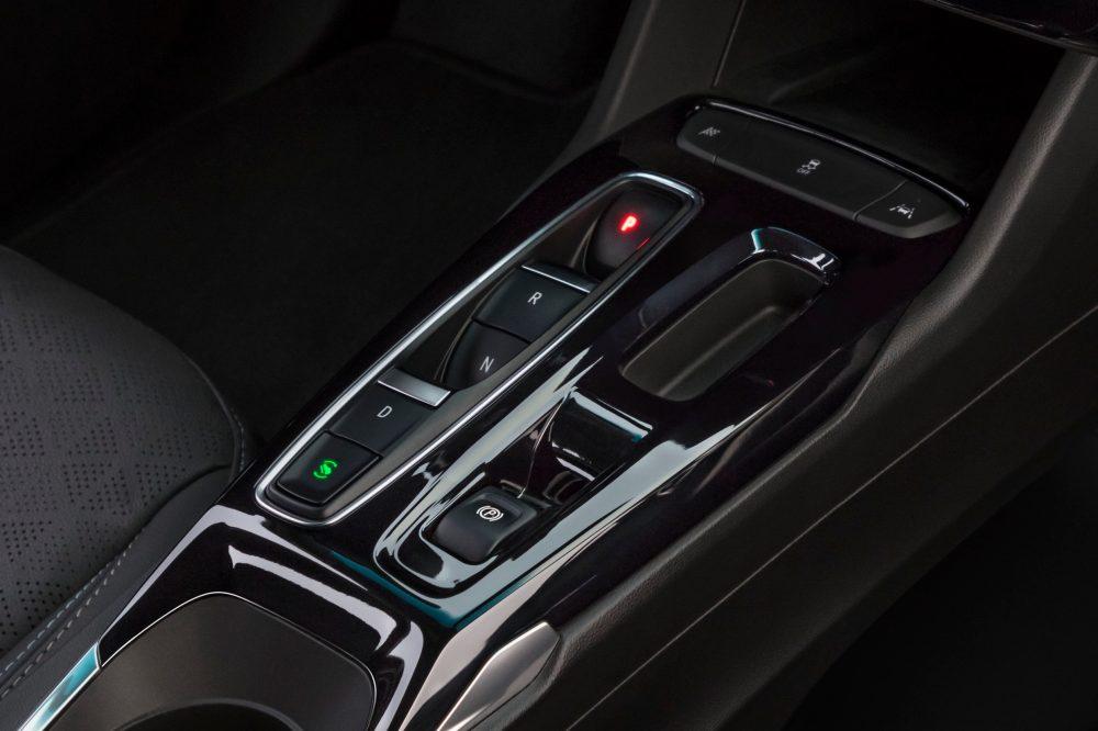 2022 Chevrolet Bolt EV center console