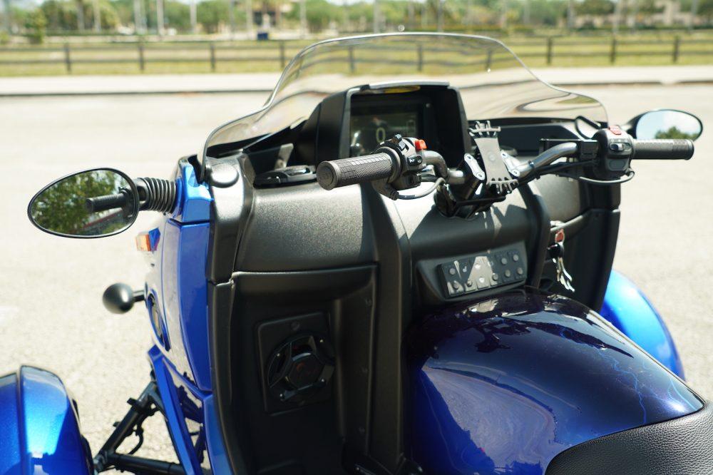 arcimoto roadster handlebars